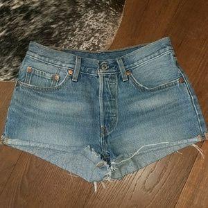 High Waist Levi's Denim Shorts 26/2